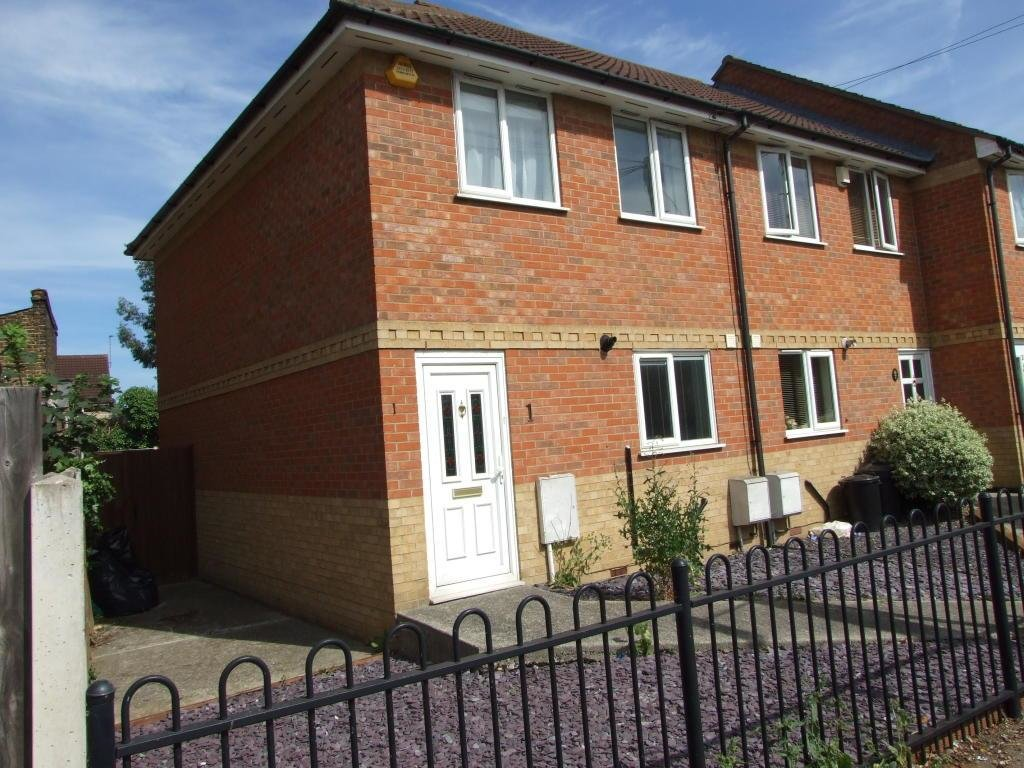 Best 2 Bedroom House To Rent In Hampshire Villas Bournemouth With Pictures