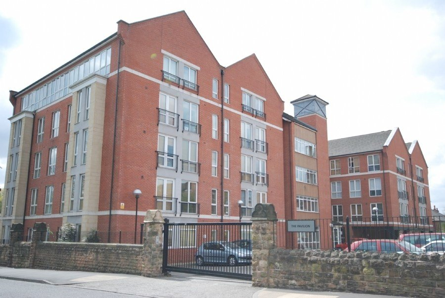 Best 2 Bedroom Flat To Rent In The Pavilion Russell Road With Pictures
