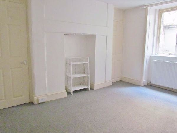 Best 2 Bedroom Flat To Rent In Marine Square Brighton East With Pictures