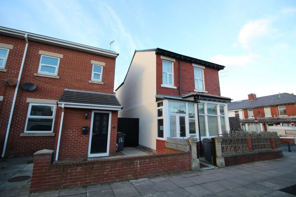 Best 3 Bedroom Property To Rent In Fisher Street Blackpool With Pictures