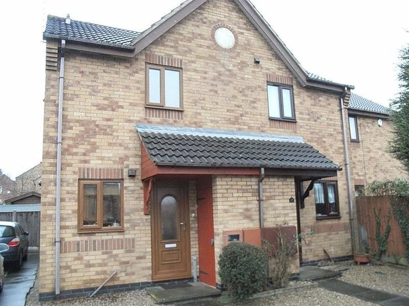 Best 2 Bedroom House To Rent In Buckingham Drive Aylestone With Pictures