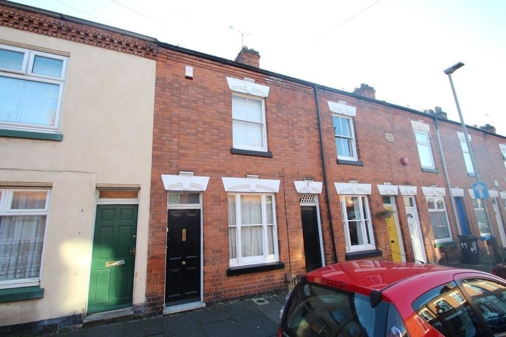 Best 2 Bedroom House To Rent In Avenue Road Externsion With Pictures