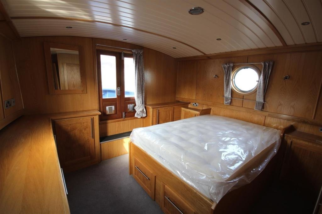 Best 2 Bedroom House Boat For Sale In Coburg Wharf Liverpool L3 With Pictures