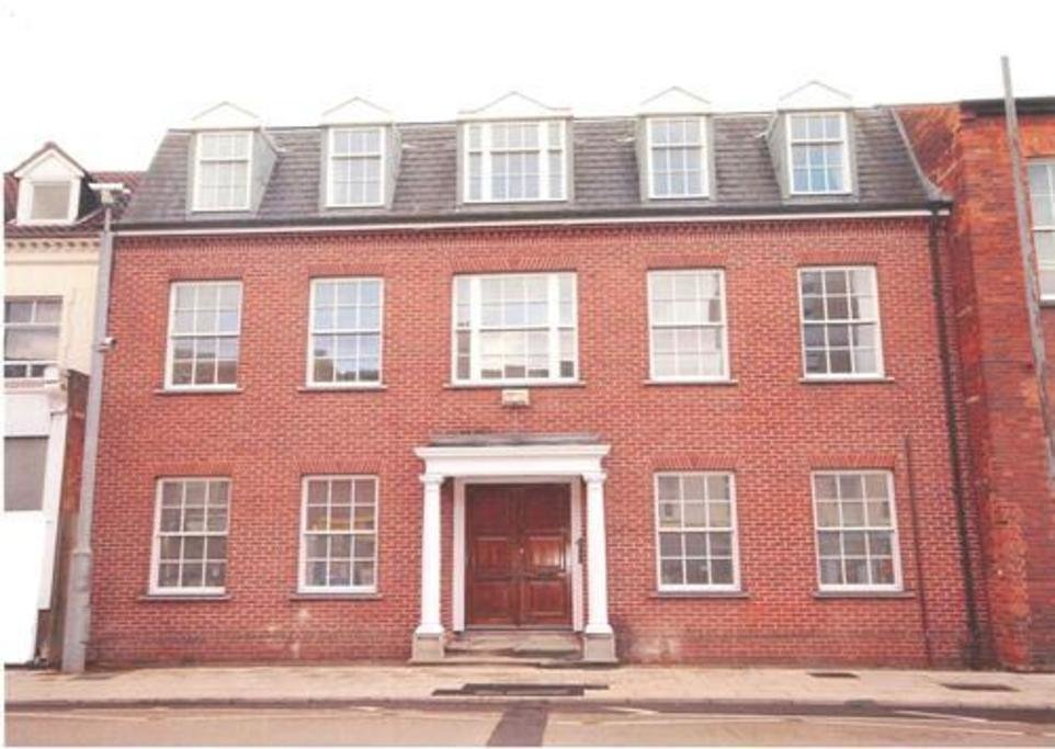 Best 2 Bedroom Apartment To Rent In The Crescent Bedford Mk40 With Pictures