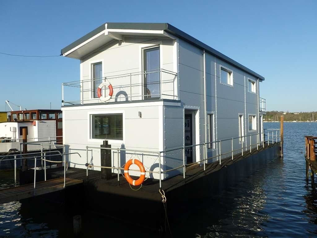 Best 3 Bedroom House Boat For Sale In Embankment Raod With Pictures