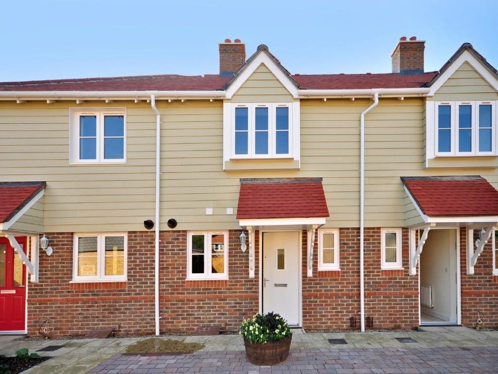 Best 2 Bedroom House For Sale In Parisfield Headcorn Road Staplehurst Kent Tn12 0Bt Tn12 With Pictures