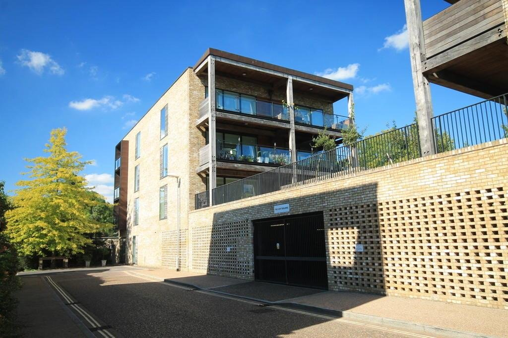 Best 2 Bedroom Apartment To Rent In Brooklands Avenue With Pictures