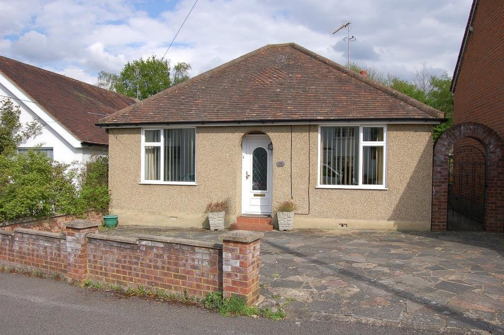Best 2 Bedroom Detached Bungalow For Sale In Waverley Road With Pictures