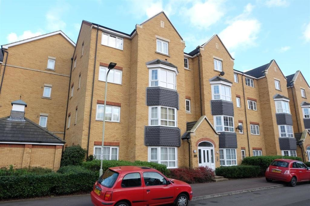 Best 2 Bedroom Flat To Rent In Henley Road Bedford Mk40 With Pictures
