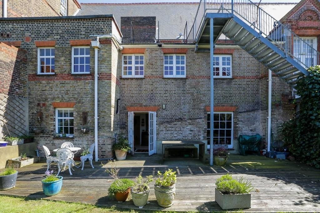 Best 2 Bedroom Flat To Rent In Hanover Lofts Brighton Bn2 With Pictures