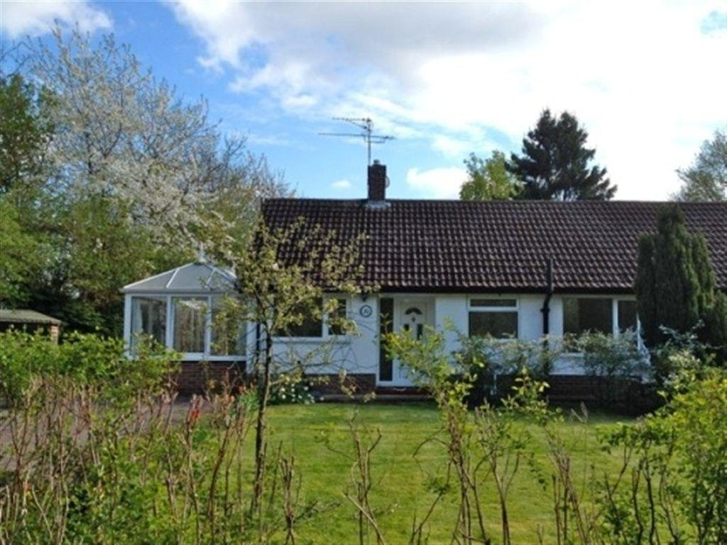 Best 2 Bedroom Bungalow To Rent In Leys Road Loughton Milton With Pictures