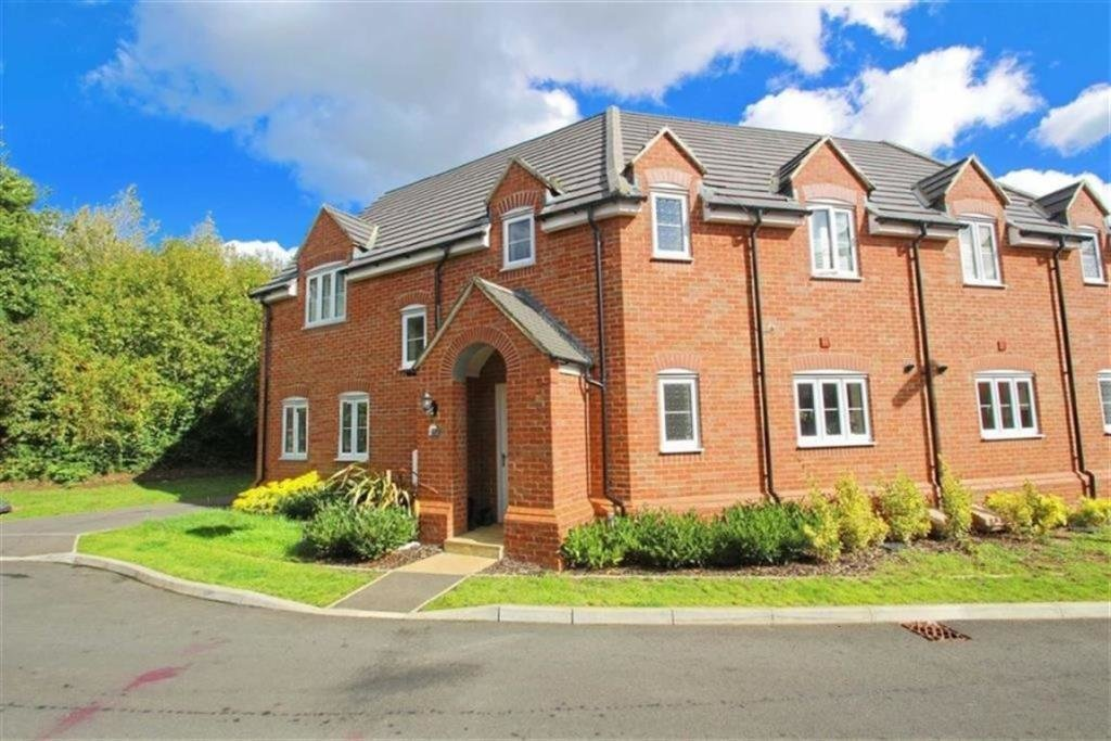 Best 4 Bedroom Semi Detached House To Rent In Temple Crescent With Pictures