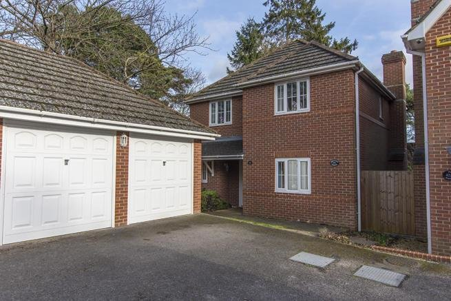 Best 4 Bedroom Detached House For Sale In Orchard House With Pictures
