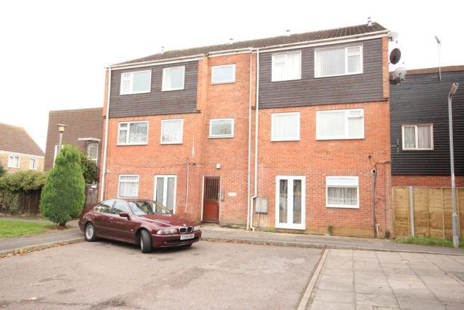Best 1 Bedroom Flat To Rent In Rochford Gardens Slough Sl2 With Pictures