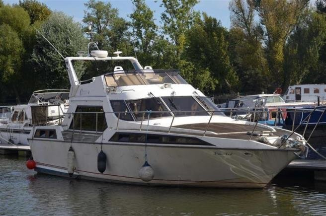 Best 3 Bedroom House Boat For Sale In Augustus Close Brentford With Pictures
