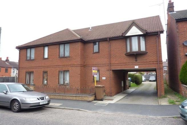 Best 1 Bedroom Flat For Sale In 74 Kitchener Road Ipswich Ip1 With Pictures