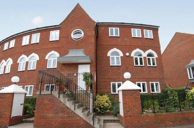 Best 2 Bedroom Apartment To Rent In Duckmill Crescent Chethams With Pictures
