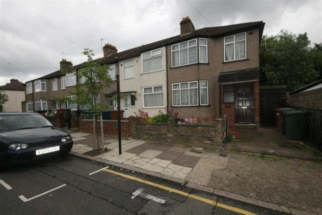 Best 3 Bedroom House For Sale In Whitefriars Avenue Harrow Ha3 With Pictures