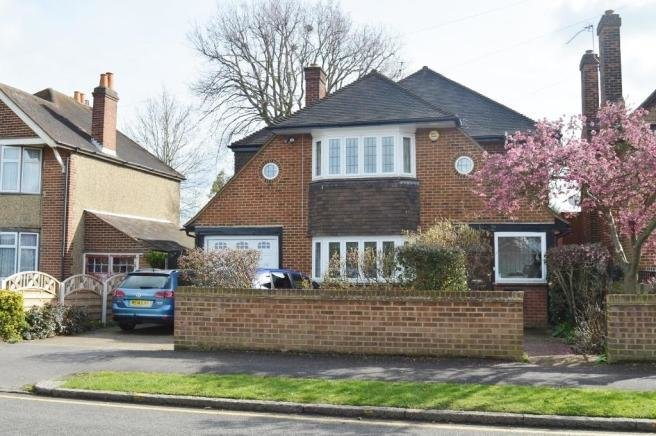 Best 3 Bedroom Detached House For Sale In Lascelles Road With Pictures