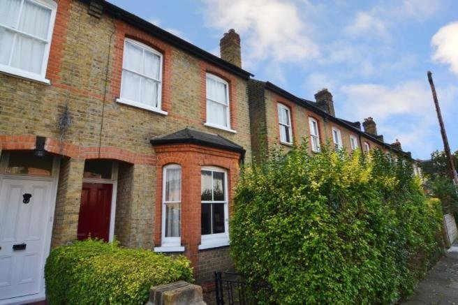 Best 2 Bedroom Terraced House To Rent In Radnor Gardens With Pictures