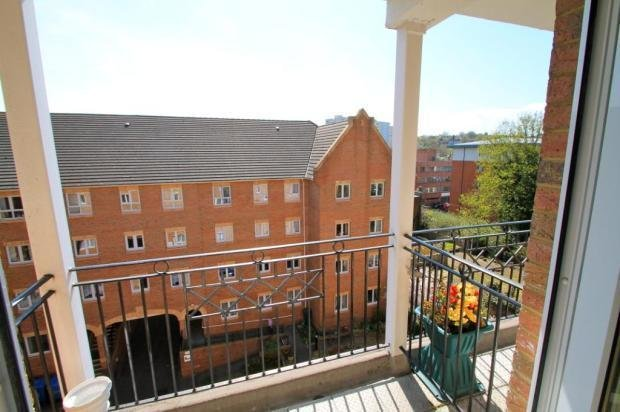 Best 1 Bedroom Flat For Sale In Pembroke Court 397 High Street With Pictures