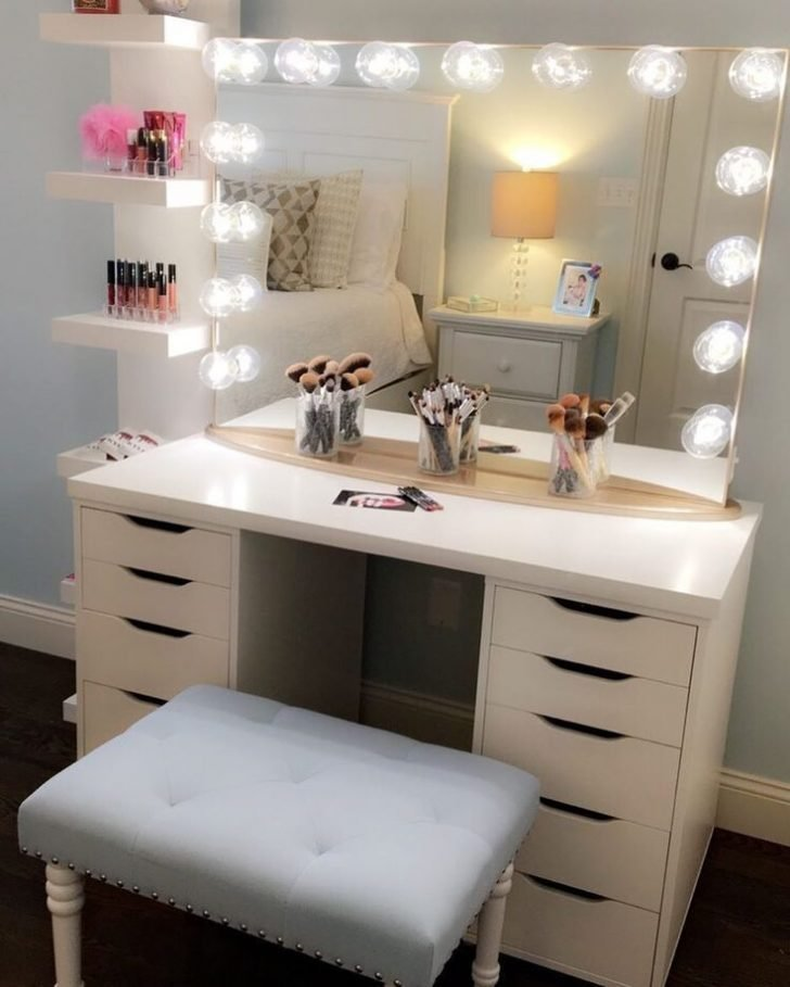 Best Wonderful Bathroom Vanities For Bedrooms With Lights And Mirror Pomoysam Com With Pictures