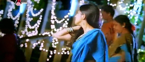 Best Tamil Actress Sherin Hot Romantic Song From Poova Thalaiya With Pictures