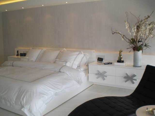 Best Master Bedroom In White And Silver With Pictures