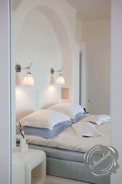 Best Modern Bedroom Design With Artemide Tolomeo Wall Lamps Modern Bedroom New York By With Pictures