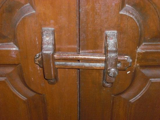 Best Bathroom Door Locked From Inside How To Open Bathroom With Pictures