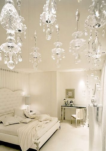 Best White Bedroom With Crystal Chandelier Bedroom Ideas With Pictures