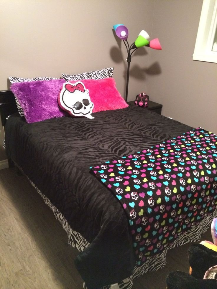 Best Monster High Bedroom Things My Kiddos Love Pinterest With Pictures