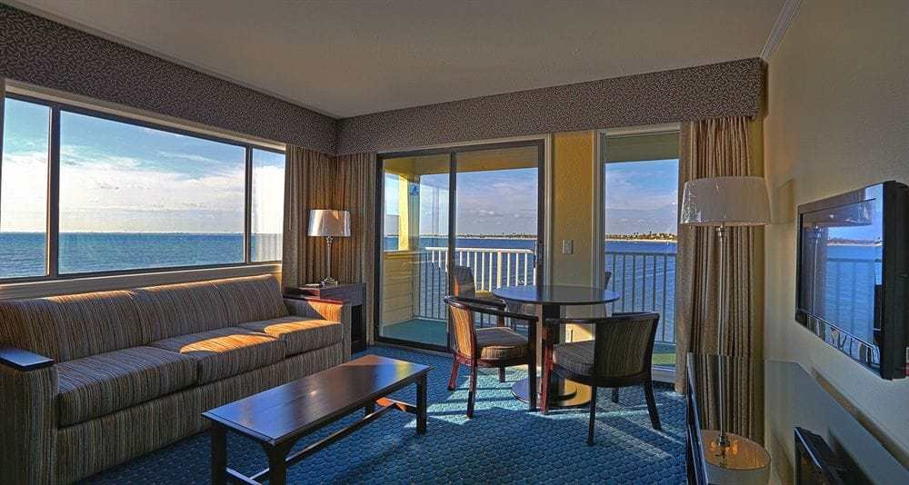 Best Sailport Waterfront Suites Hotel Deals Reviews Tampa With Pictures