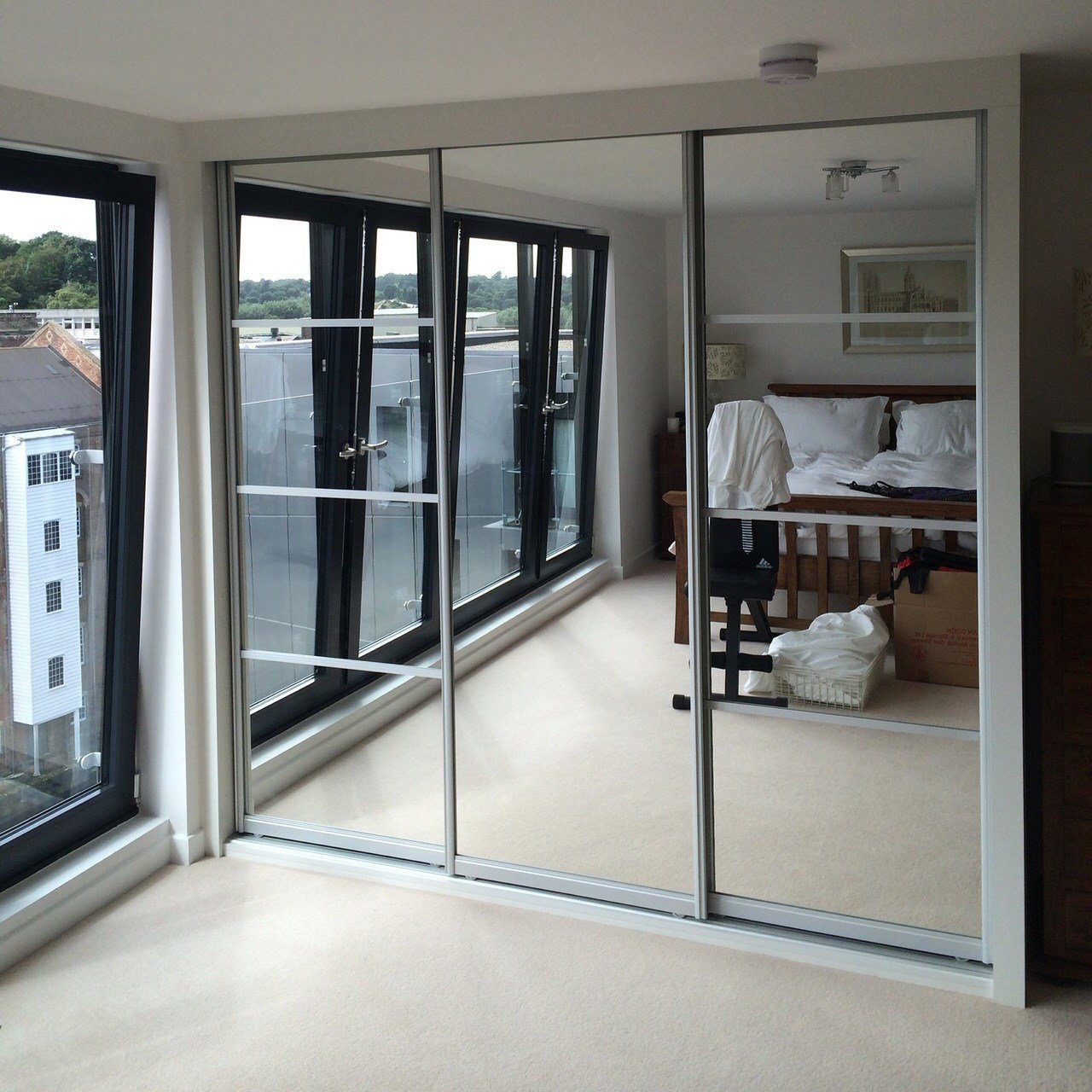 Best Mirrored Wardrobes Bring Light And Space To Your Bedroom With Pictures