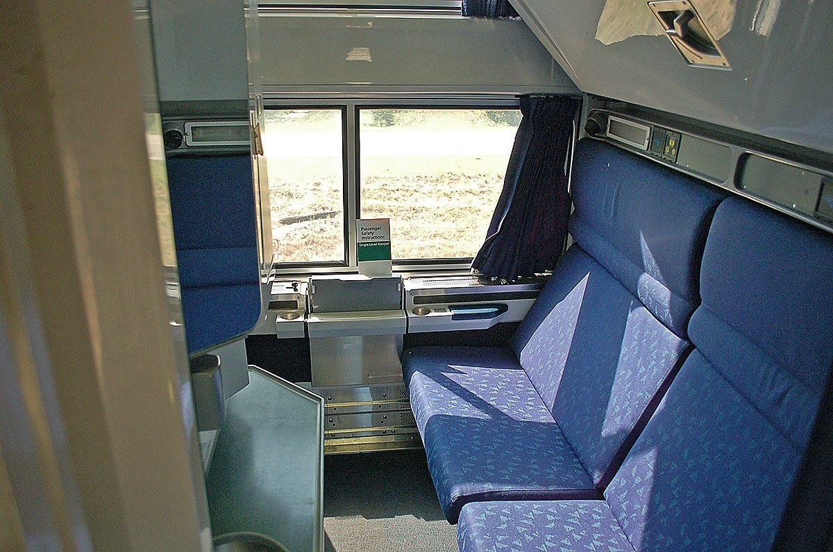 Best 0472 Bedroom On Amtrak Viewliner Sleeping Car – North With Pictures