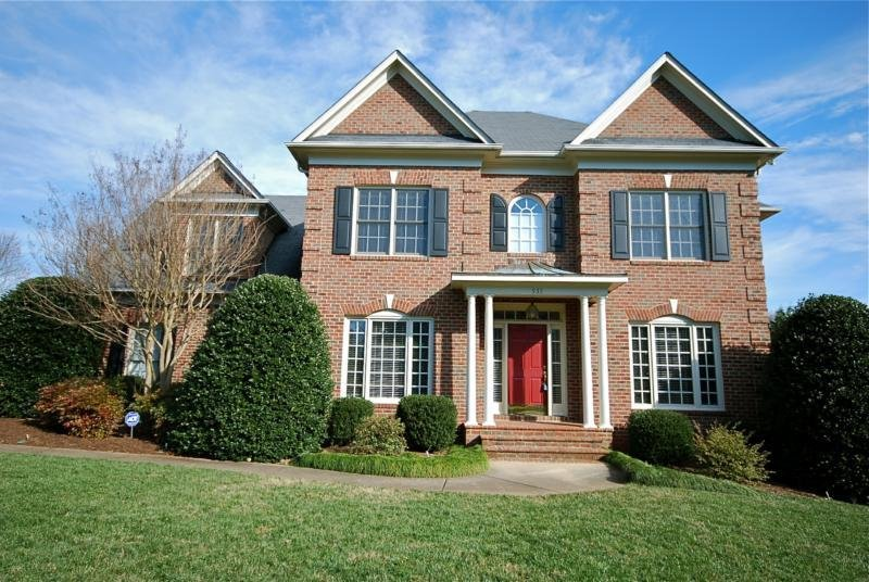 Best 4 Bedroom Home For Sale In St George Place Charlotte Nc With Pictures