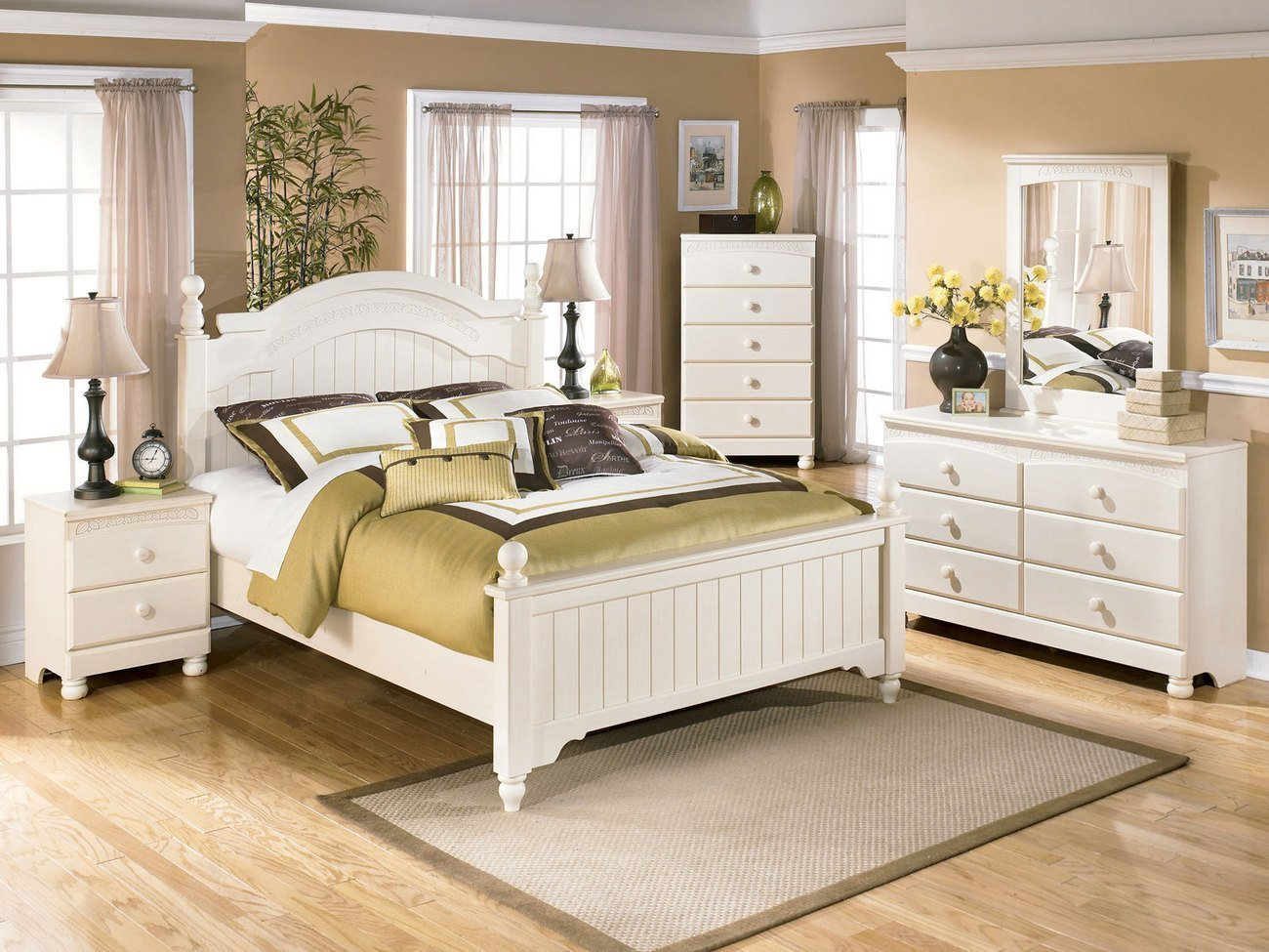 Best Cream And Grey Bedroom What Accent Color Goes With Cream With Pictures