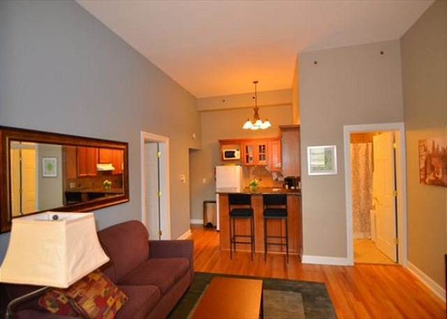 Best Chicago Corporate Housing At Home Inn Chicago Corporate With Pictures