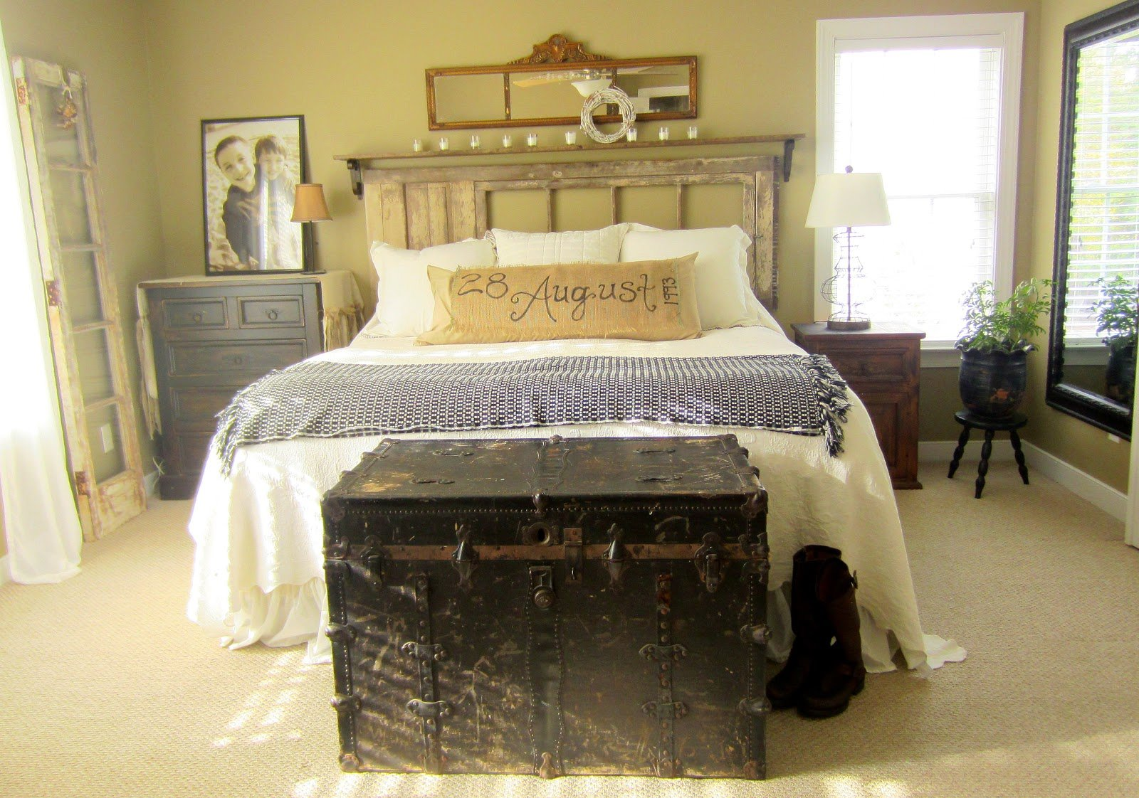 Best Down To Earth Style Vintage Rustic Master Bedroom With Pictures