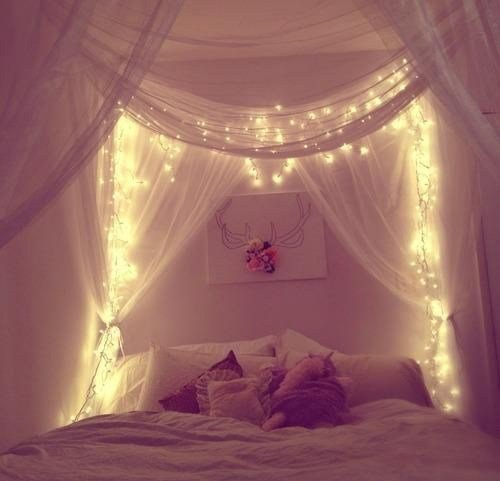 Best How To Hang Christmas Lights In Bedroom By Homearena With Pictures