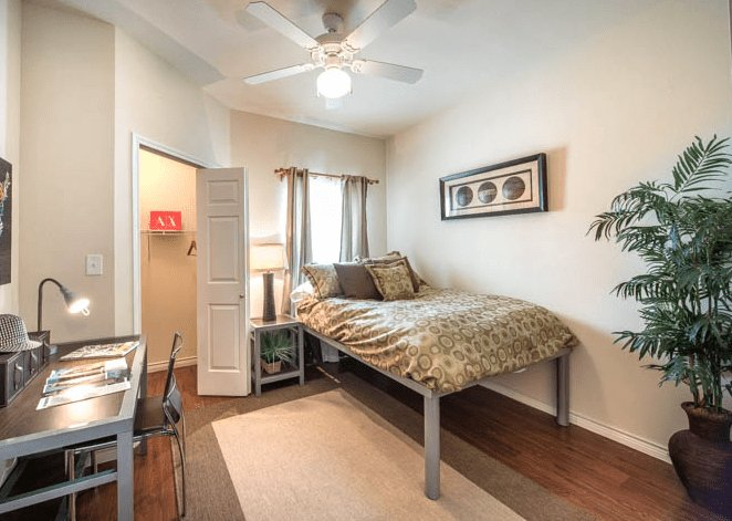 Best Subleasing One Bedroom At The Forum Denton Apartments Ogle With Pictures