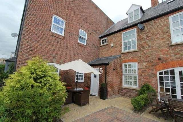 Best 3 Bedroom Terraced House To Rent In Flemingate Beverley Hu17 With Pictures