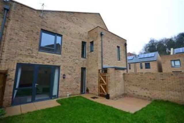 Best 2 Bedroom Semi Detached House To Rent In Castle Croft With Pictures