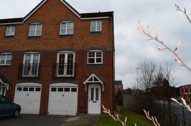 Best 3 Bedroom Terraced House For Sale In Anchor Drive Tipton Dy4 With Pictures