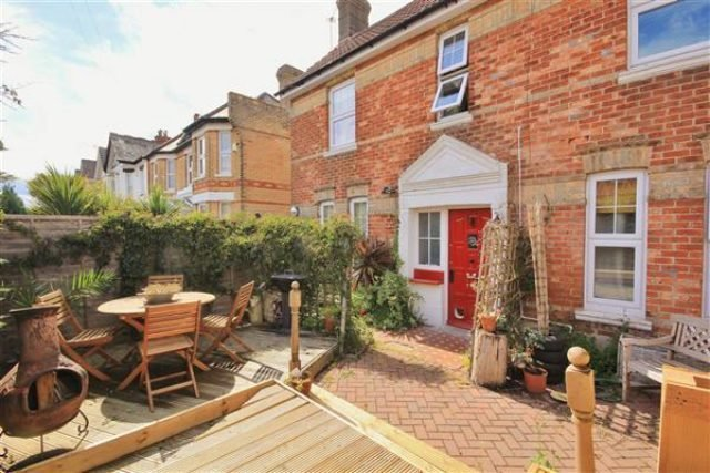 Best 2 Bedroom Flat For Sale In Parkwood Road Southbourne With Pictures