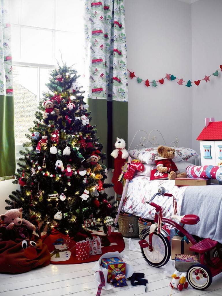Best Top 40 Christmas Decorating Ideas For Kids Room With Pictures