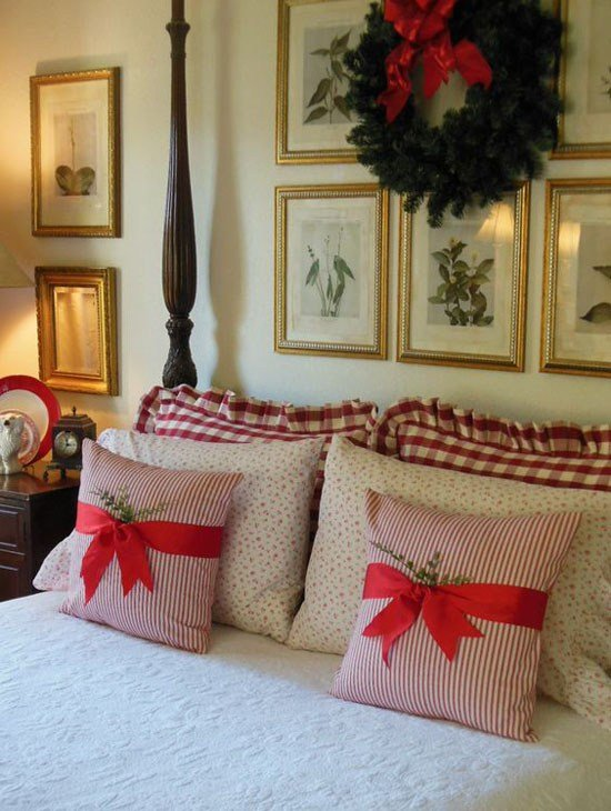 Best 35 Mesmerizing Christmas Bedroom Decorating Ideas All With Pictures