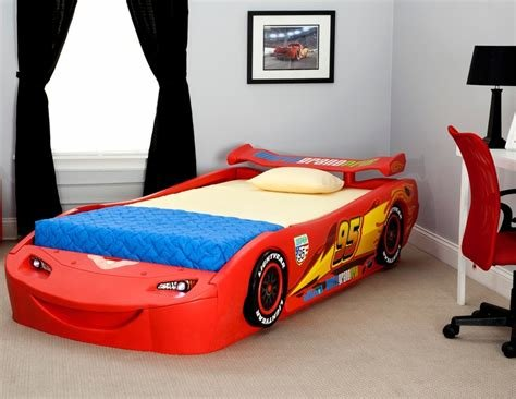 Best Amazon Com Delta Children Cars Lightning Mcqueen Twin Bed With Pictures