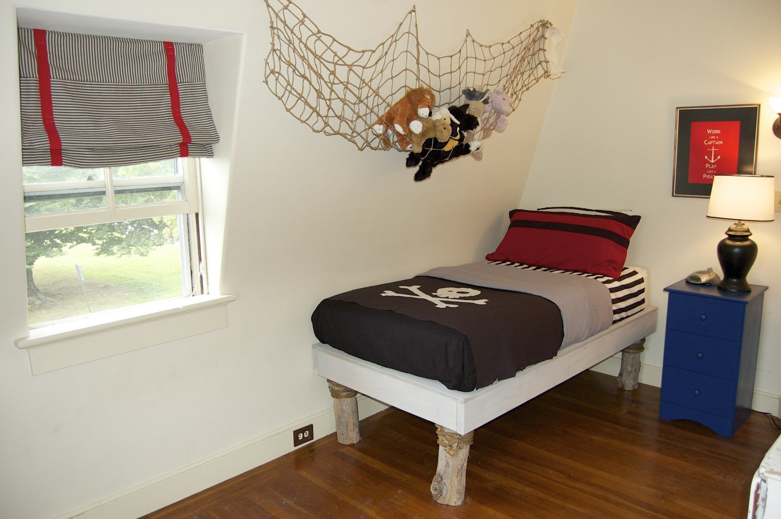 Best Seaside Shelter Diy Pirate Bedroom With Pictures