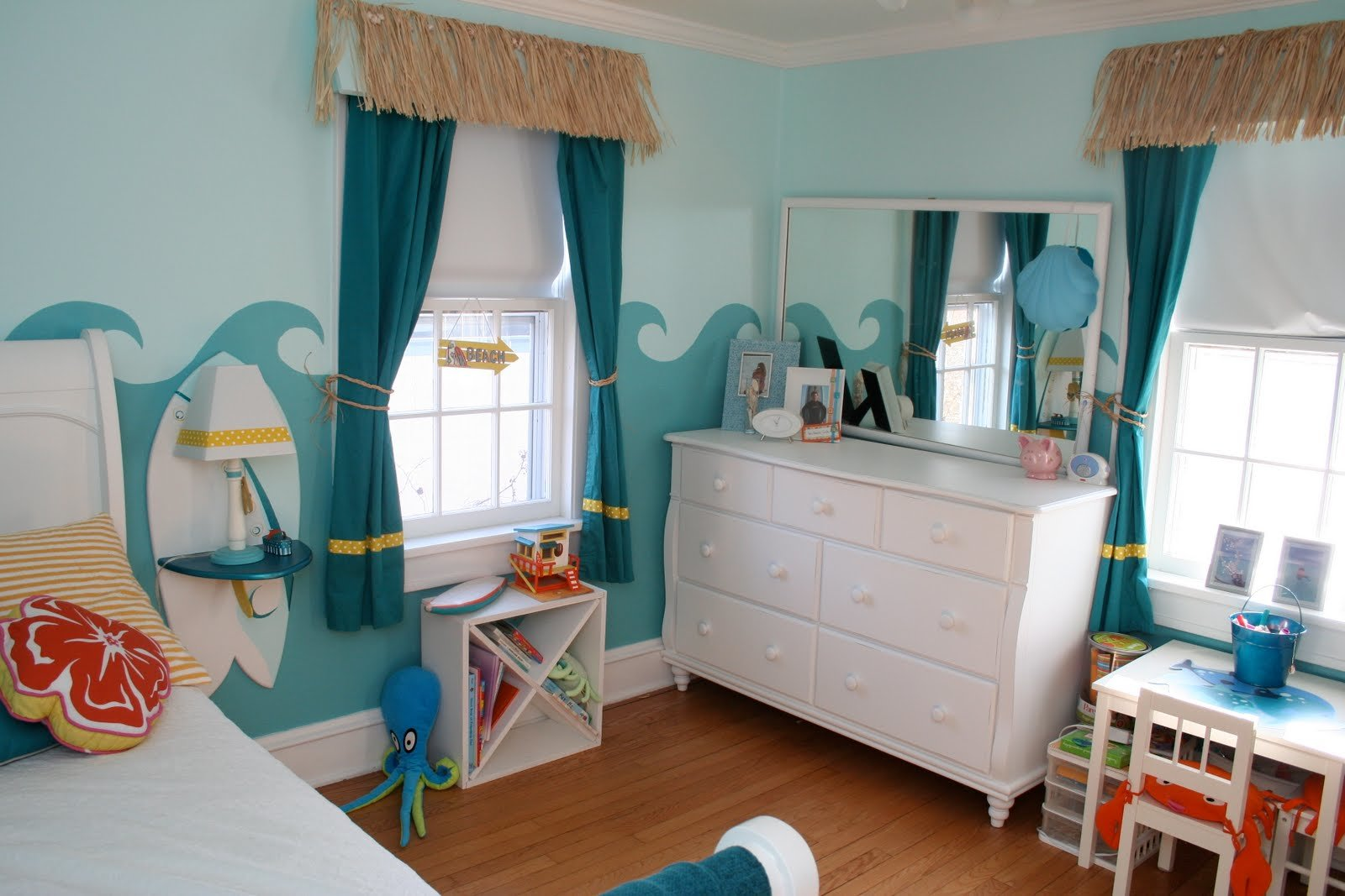 Best Little Girl S Surfer Room Design Dazzle With Pictures